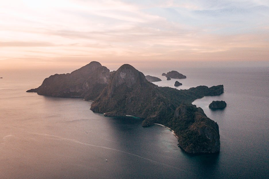 Amazing aerial view of Cadlao Island at sunset, El Nido