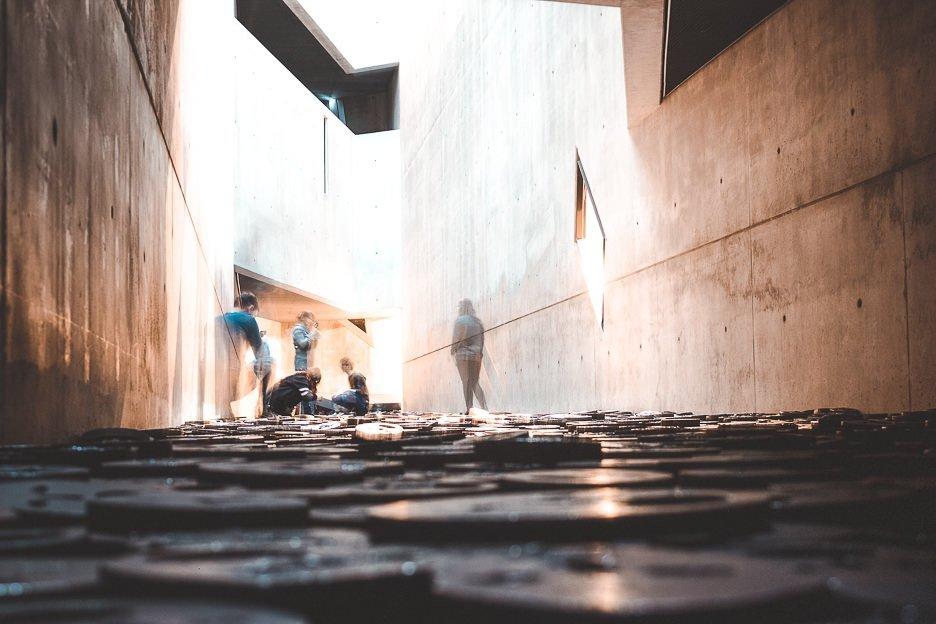 Installation Shalekhet inside Jewish Museum, Berlin