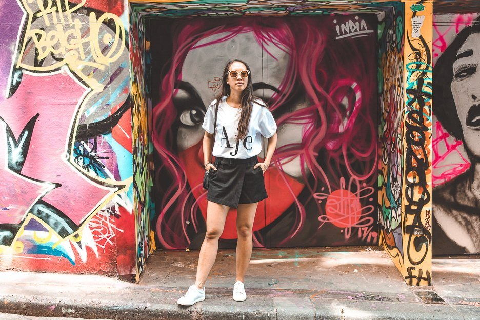 Hanging out in Hosier Lane with graffiti art - Melbourne Travel Guide