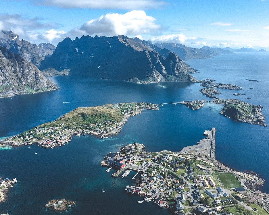 Hiking Reinebringen in Lofoten Norway: A story of overcoming mud and FOMO | hiking reinebringen 1
